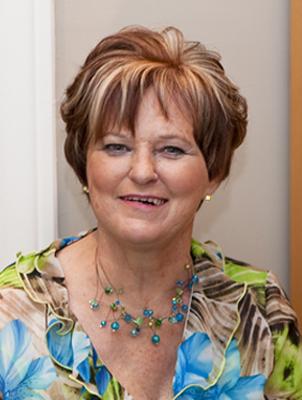 Mme Édith McKenzie Lazure
