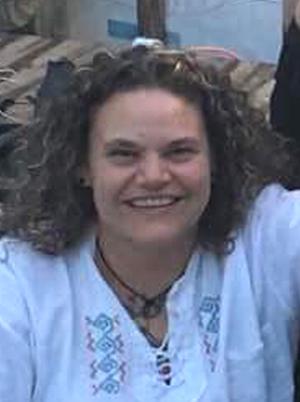 Mme Geneviève Claude