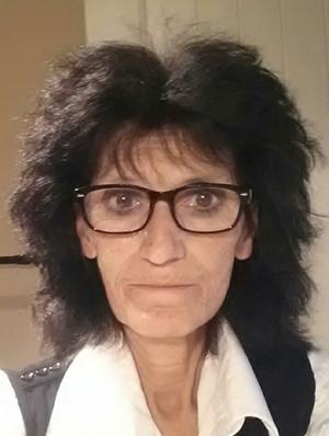 Mme Linda Renaud