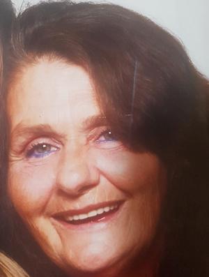Mme Susan Sharp